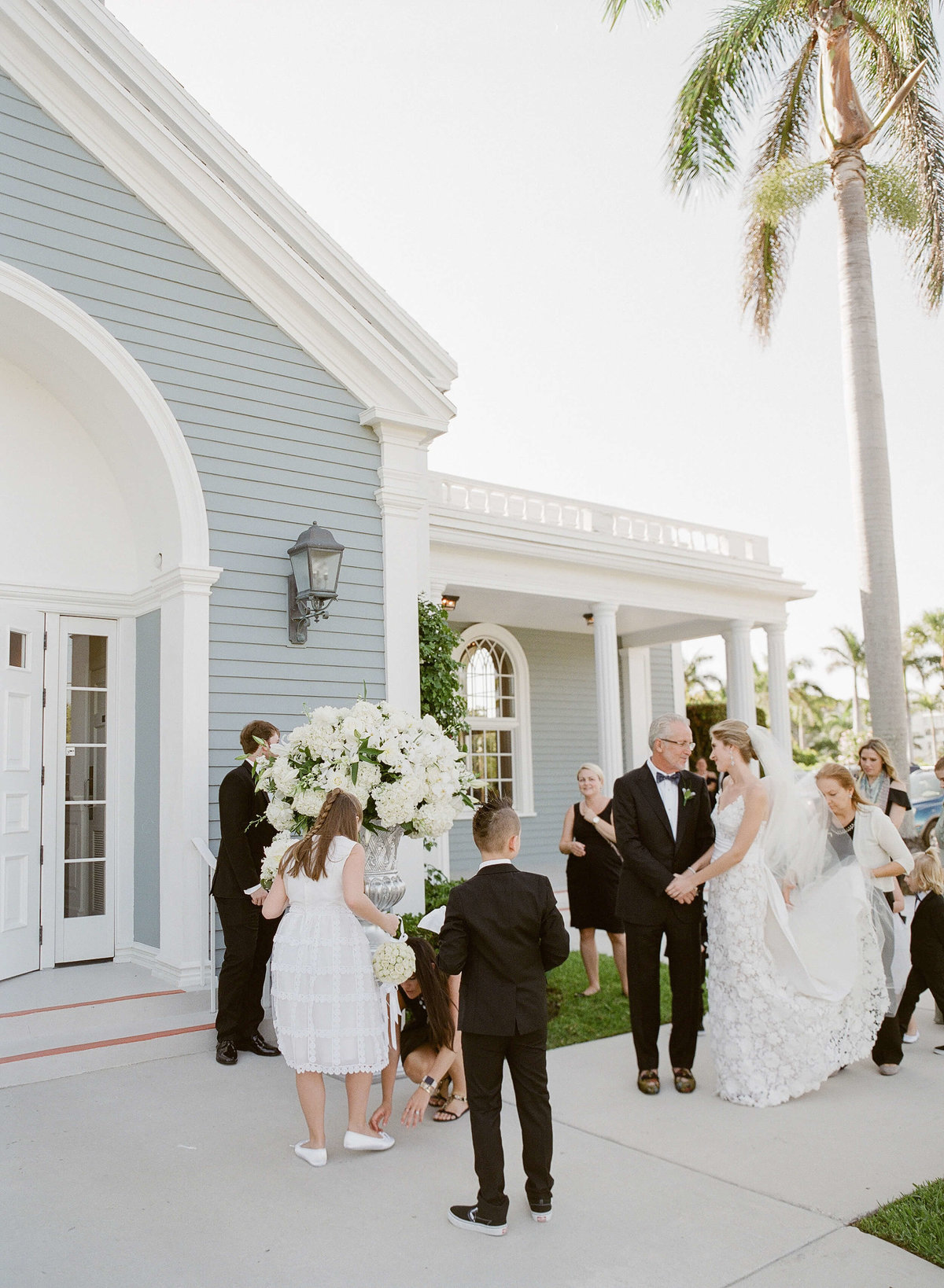 22-KTMerry-weddings-Royal-Poinciana-Chapel-exterior-Palm-Beach