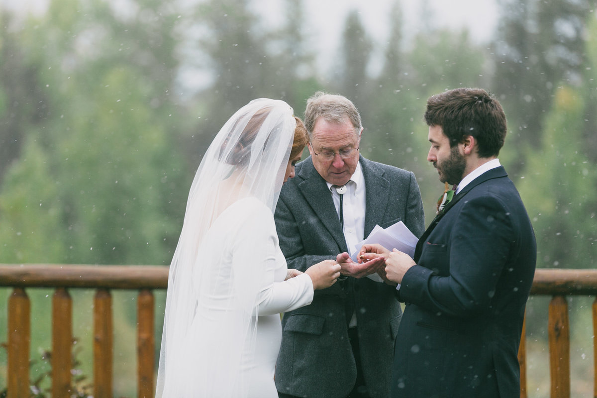 Jennifer_Mooney_Photography_Abbey_Stephen_Fall_Winter_Glacier_Park_Elopement-177