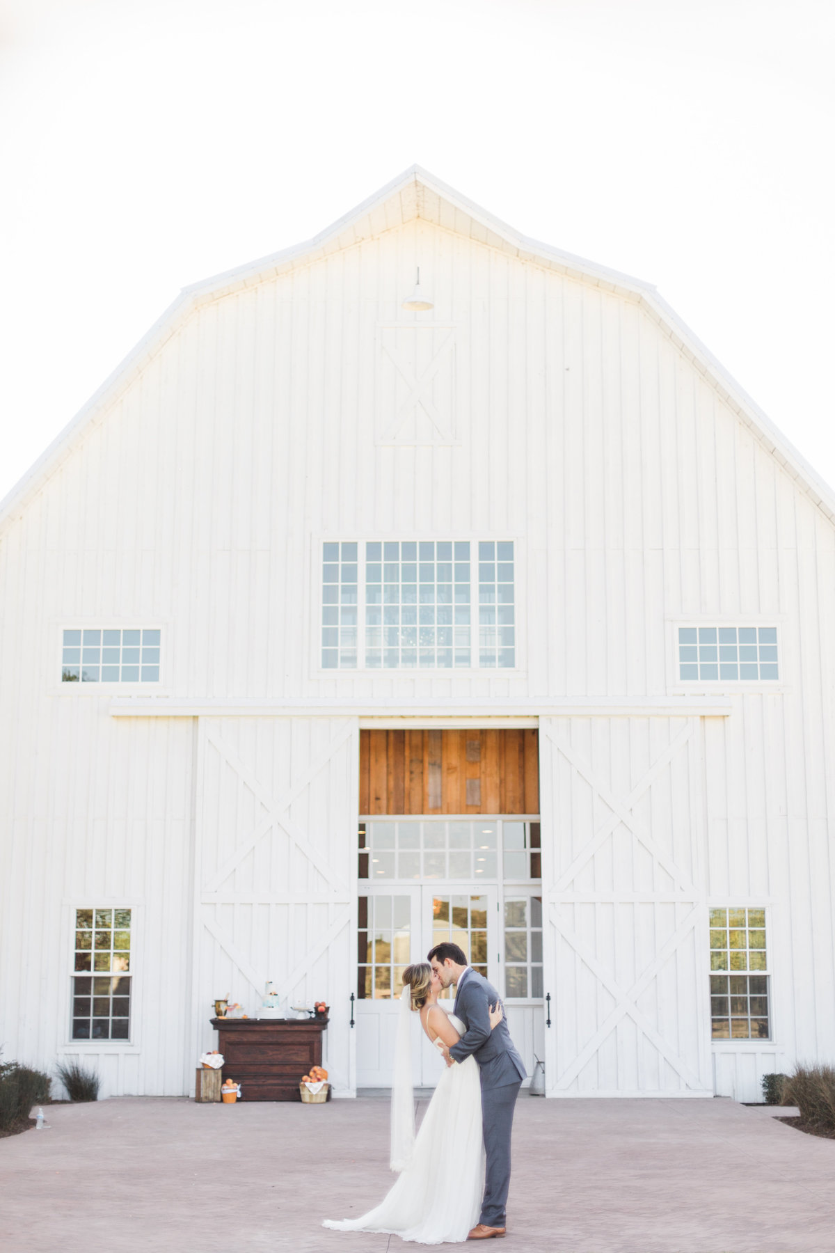 The White Sparrow Wedding Venue Wedding Photos in Quinlan Texas by Dallas Wedding Photographer 7