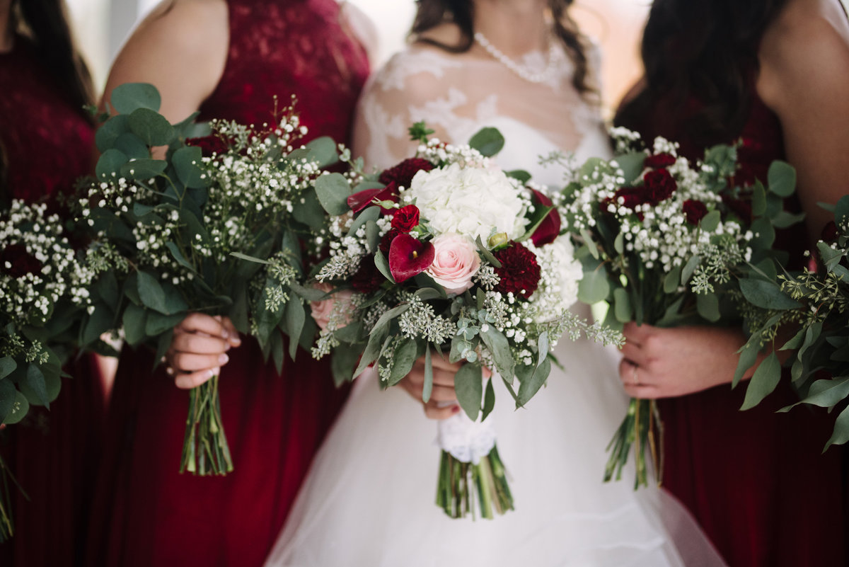 Minneapolis Green and Red Florals in bridesmaids_8593
