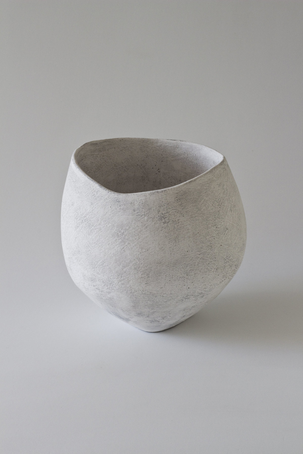 Yasha-Butler-Ceramic-Sculpture-Bowl-White-Lithic_2-3500px