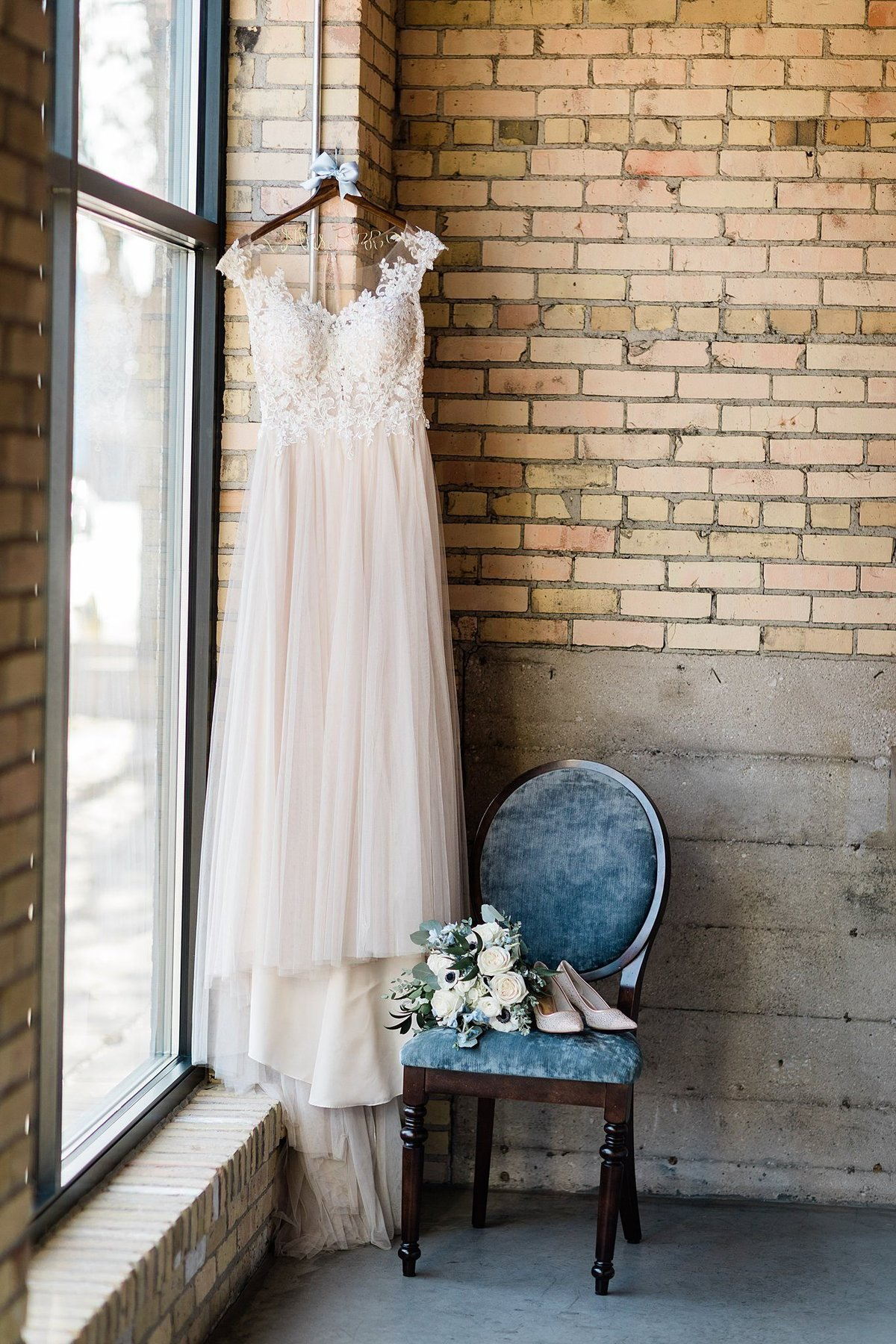 12-Green-Bay-Wisconsin-Wedding-Photographers-Gather-on-Broadway-Loft-James-Stokes-Photography-