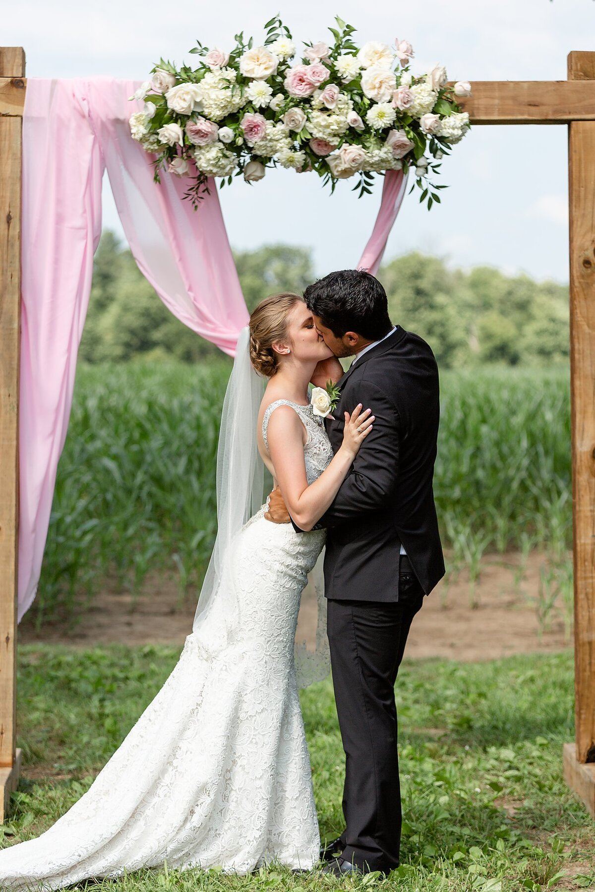 Southwestern Ontario Summer Farm Wedding | Dylan and Sandra Photography 167