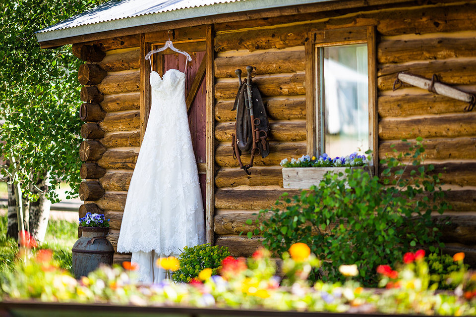 Strawberry-Creek-Ranch-Wedding-Ashley-McKenzie-Photography-Small-Wildflower-Outdoor-Wedding-Gown