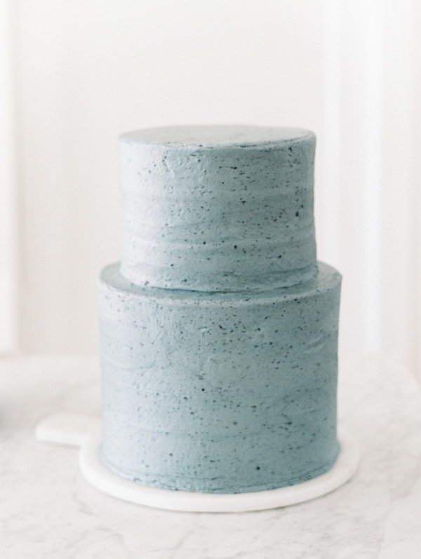 blue-wedding-cake-organic