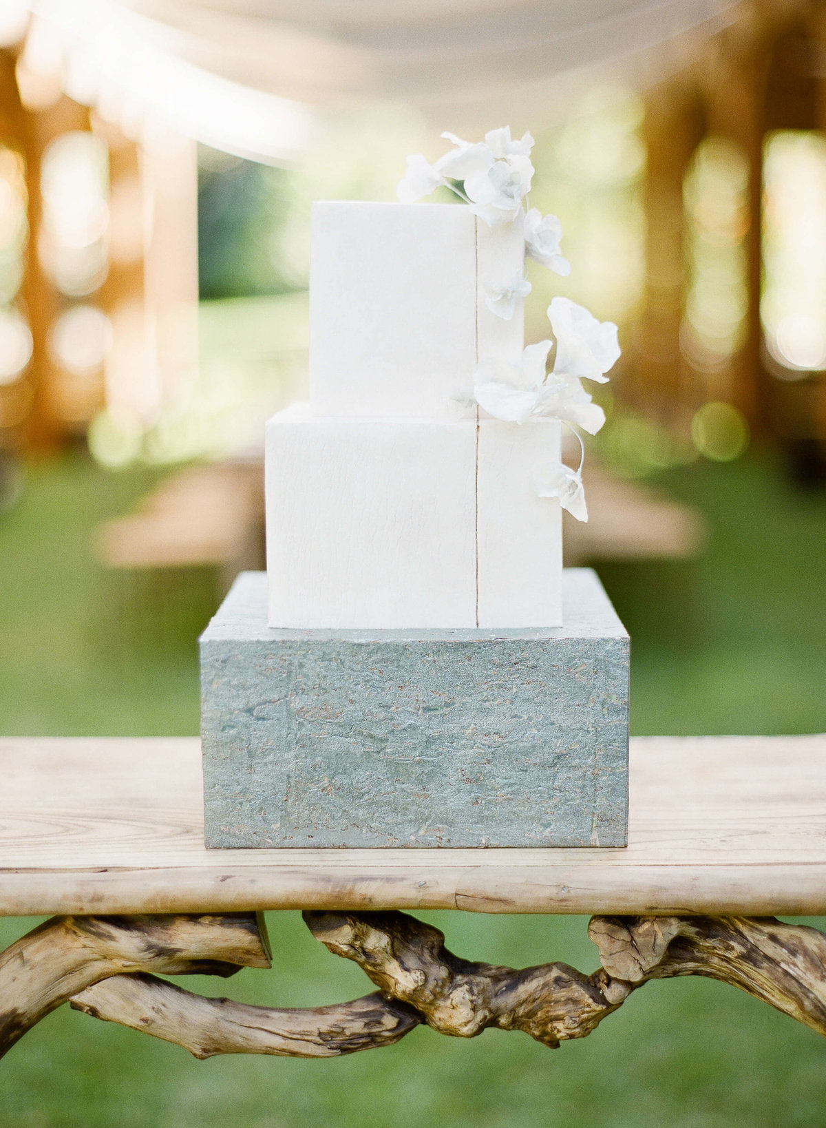 48-KTMerry-wedding-reception-modern-cake-NapaValley
