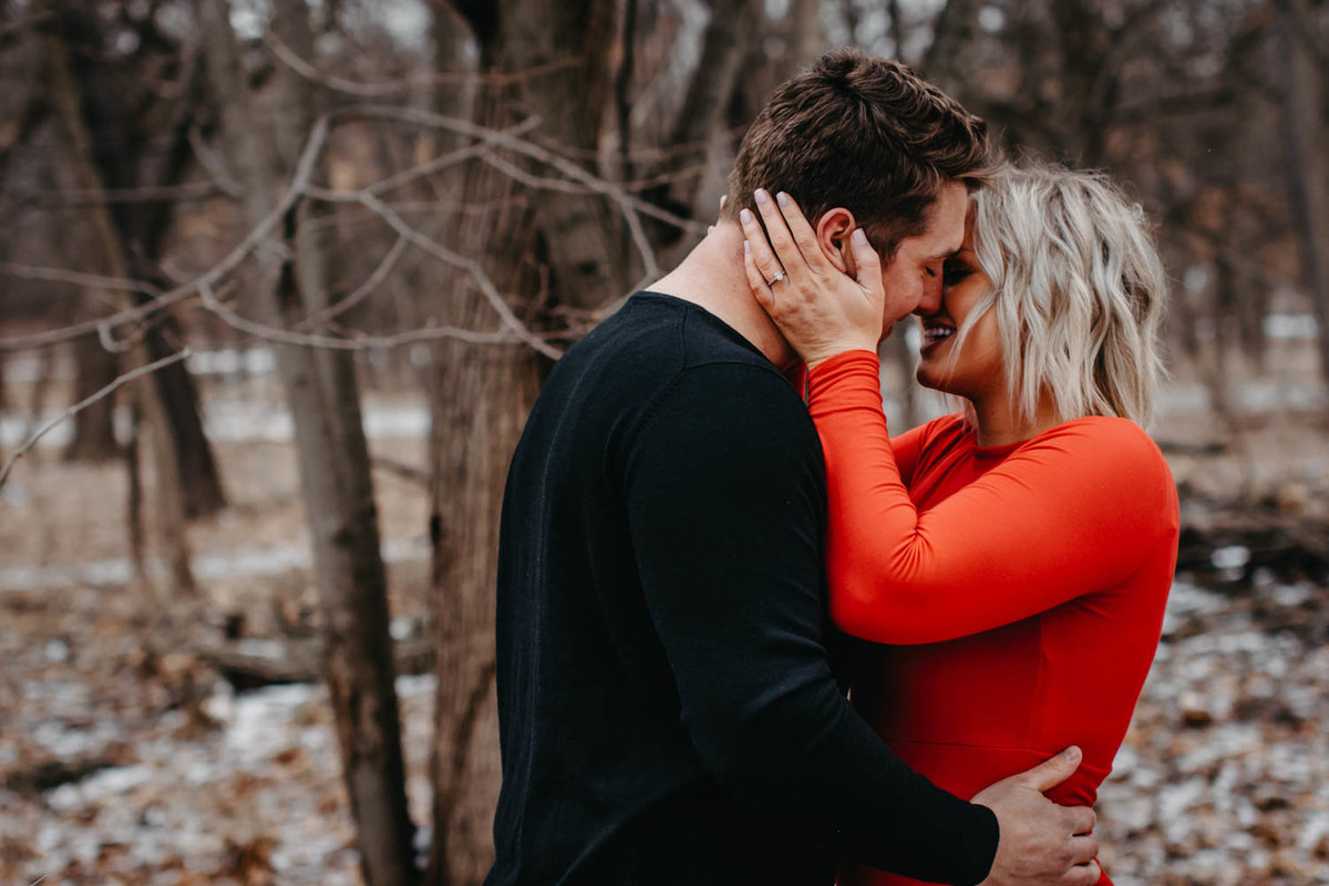fullersburg-woods-winter-shoot-hinsdale-il-couple-engagement-chicago-8