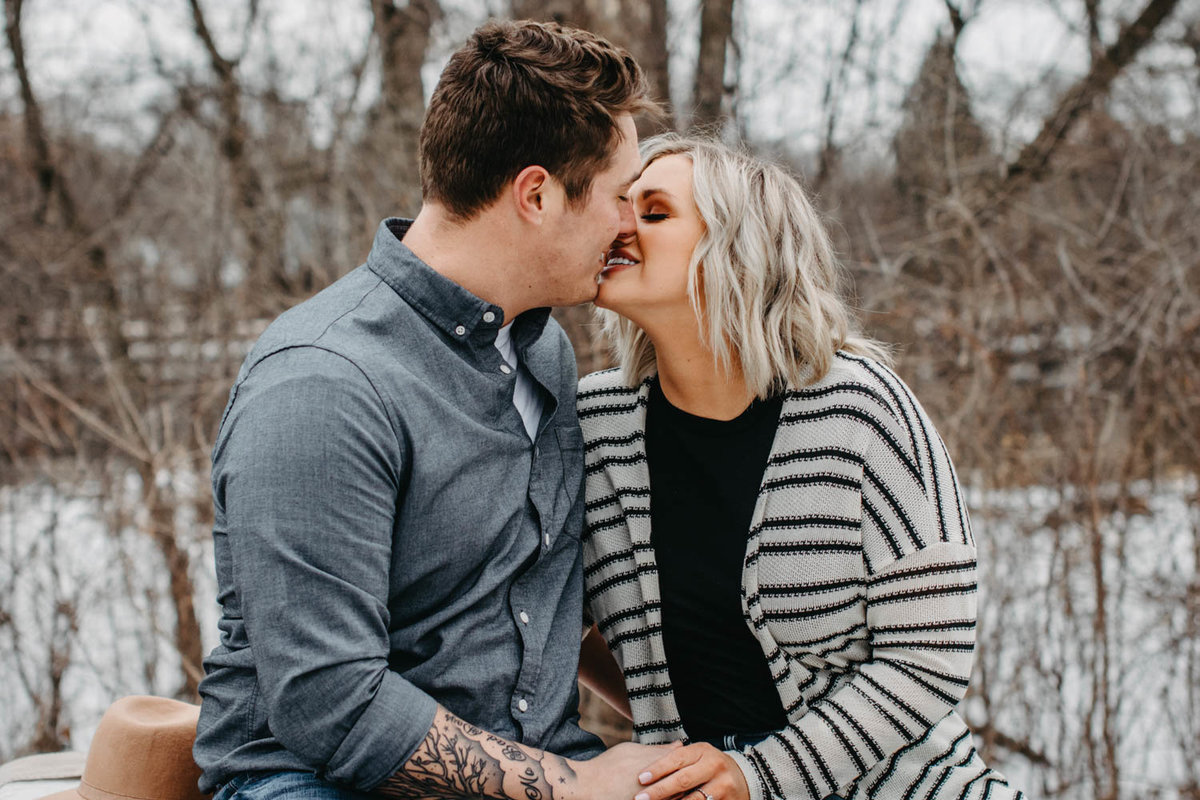 fullersburg-woods-winter-shoot-hinsdale-il-couple-engagement-chicago-161