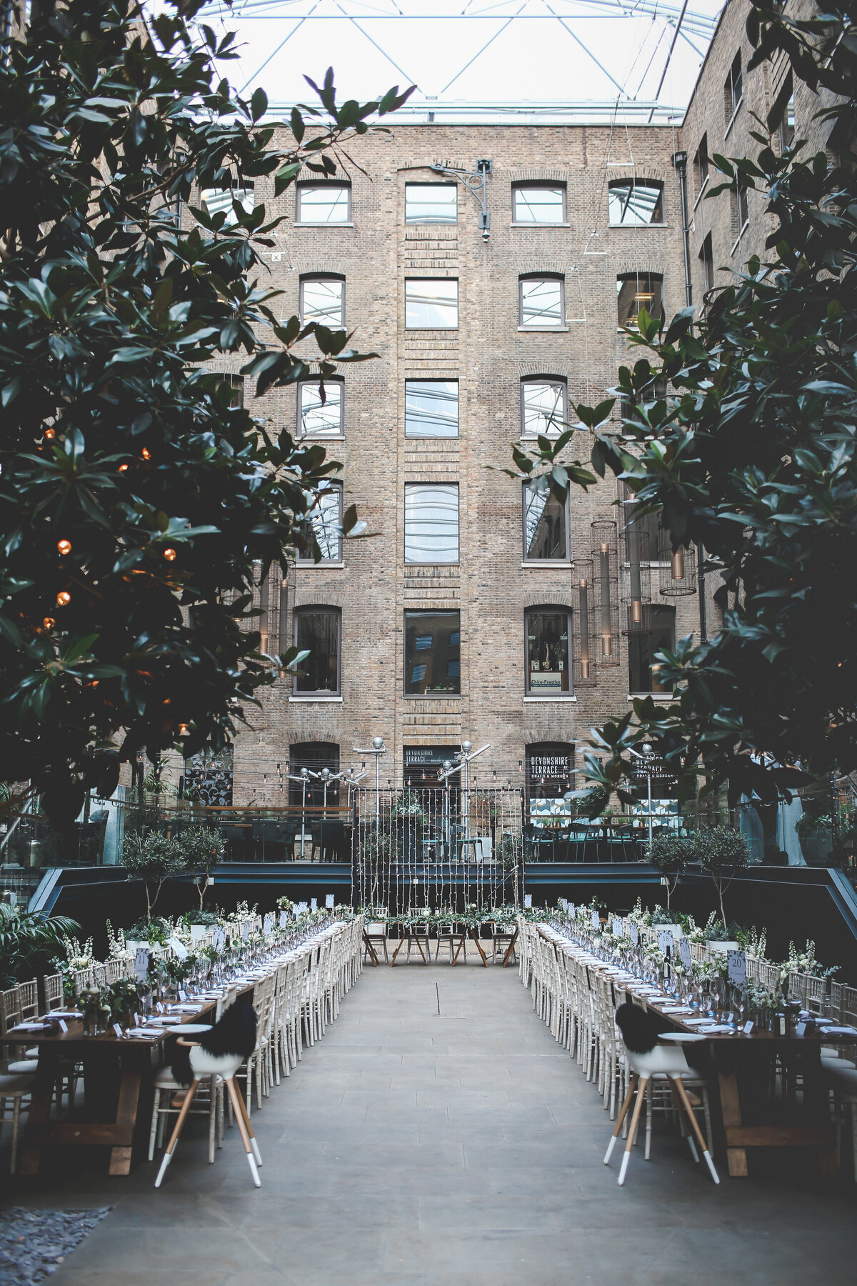 PORTRAITS_WEDDING-BREAKFAST-DEVONSHIRE-TERRACE-LONDON-WEDDING_0018
