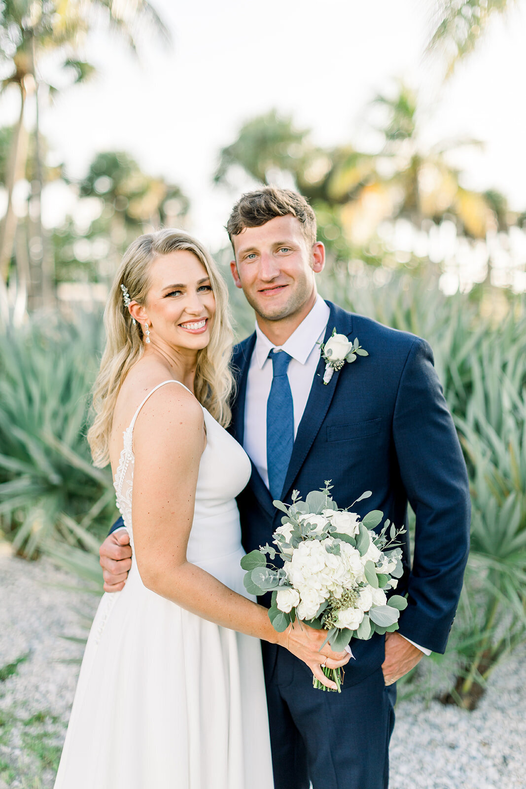 alex-mike-bowditch-beach-fort-myers-wedding-photos-1128