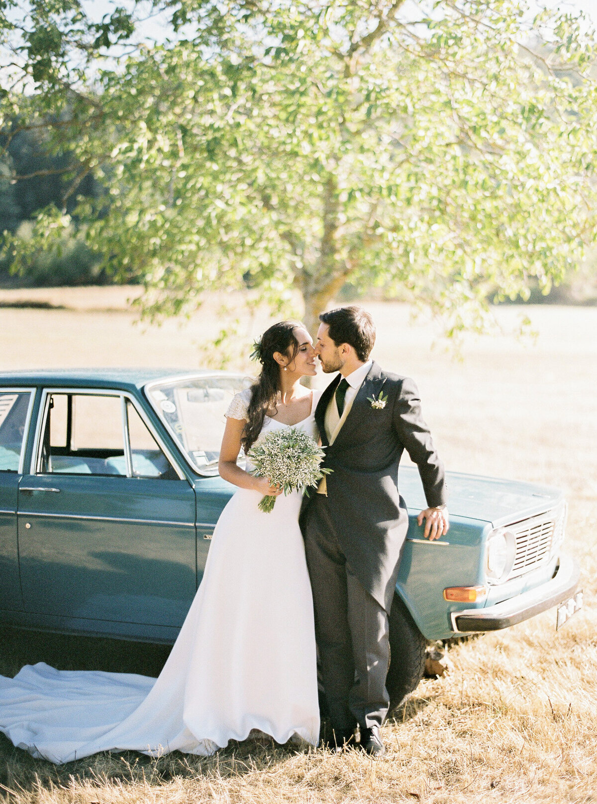wedding_with_a_vintage_car_in_marvão-13