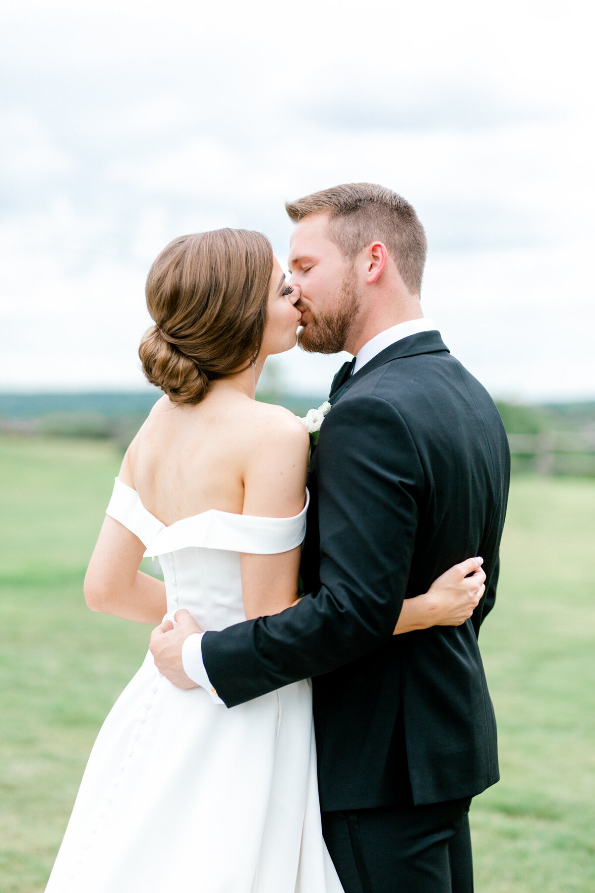 Lexi Broughton & Garrett Greer Wedding at Dove Ridge Vineyards | Sami Kathryn Photography | Dallas Wedding Photography-82