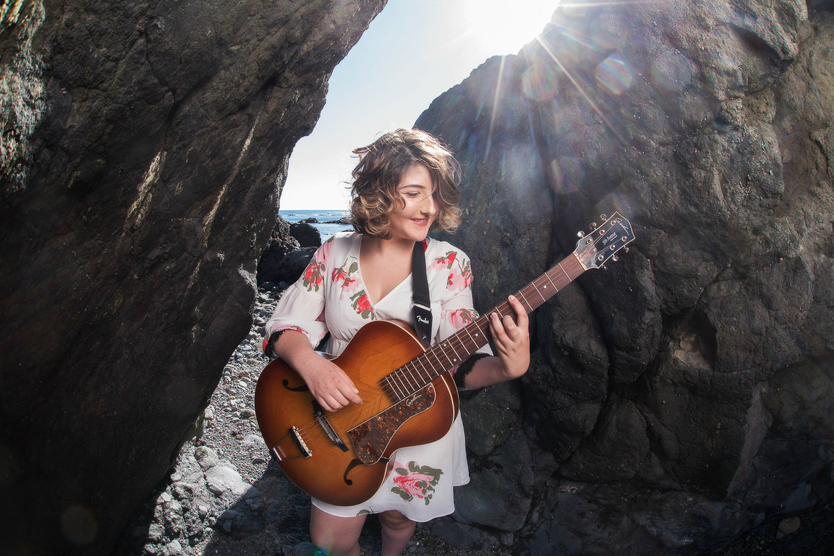 Redway-California-senior-portrait-photographer-Parky's-Pics-Photography-Shelter-Cove-Beach-Guitar-1.jpg