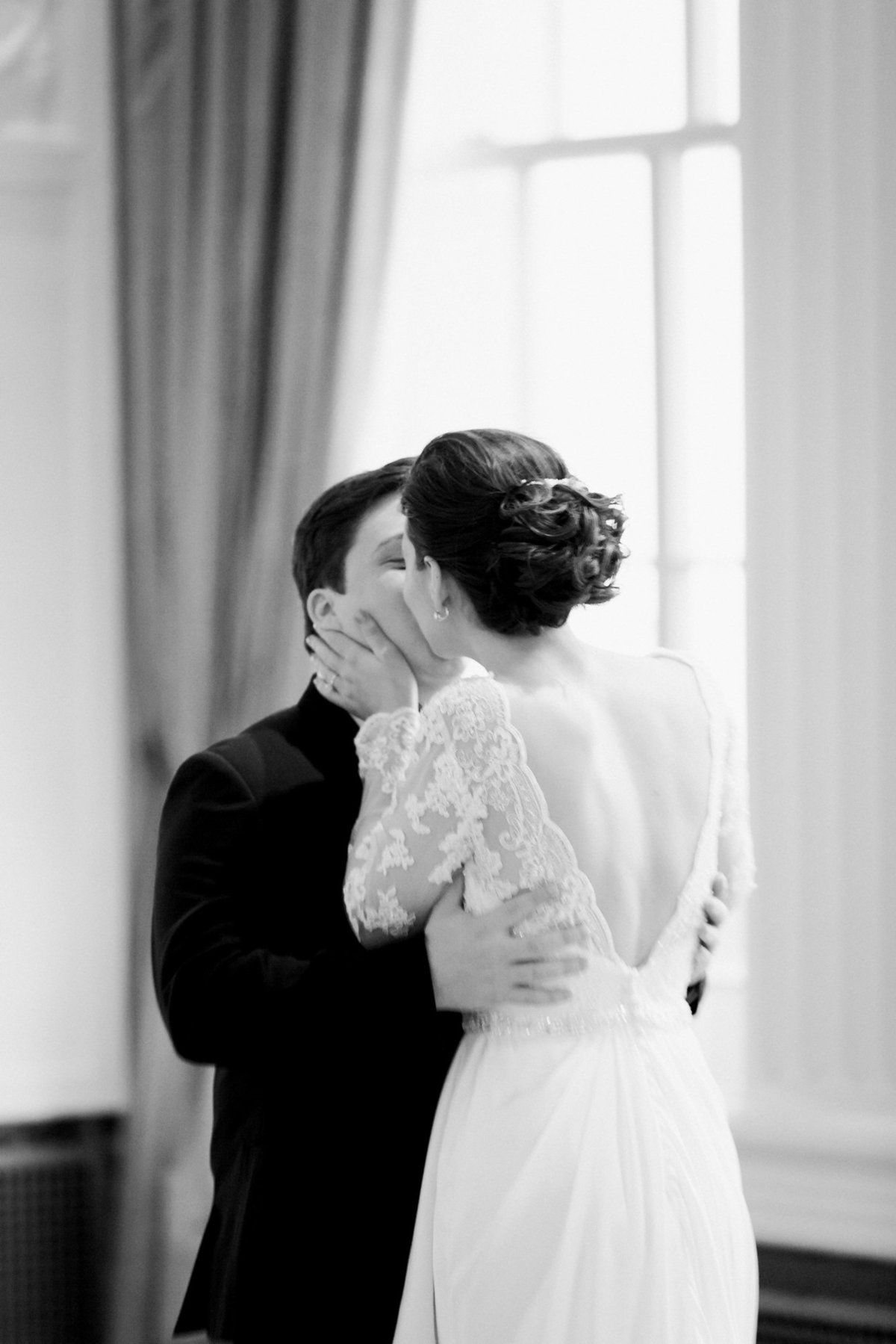 marriot-grand-ballroom-downtown-saint-louis-hotel-wedding-photographer-1017