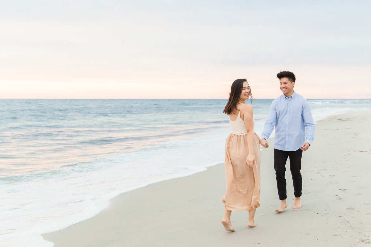 babsie-ly-photography-surprise-proposal-photographer-san-diego-california-la-jolla-windansea-beach-scenery-asian-couple-009