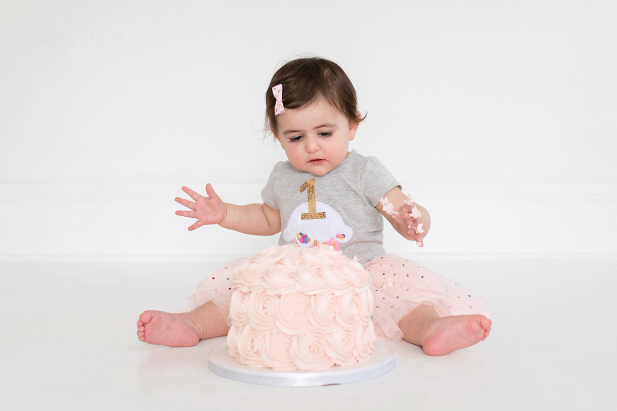 St-Louis-Studio-Child-Photographer-Cake-Smash-1-year-old-Sheth_50