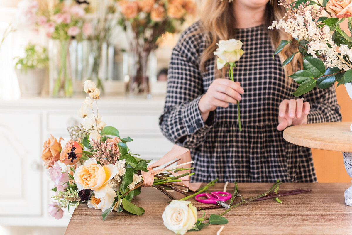 Madalyn Yates Photography floral Design Branding Photography -9
