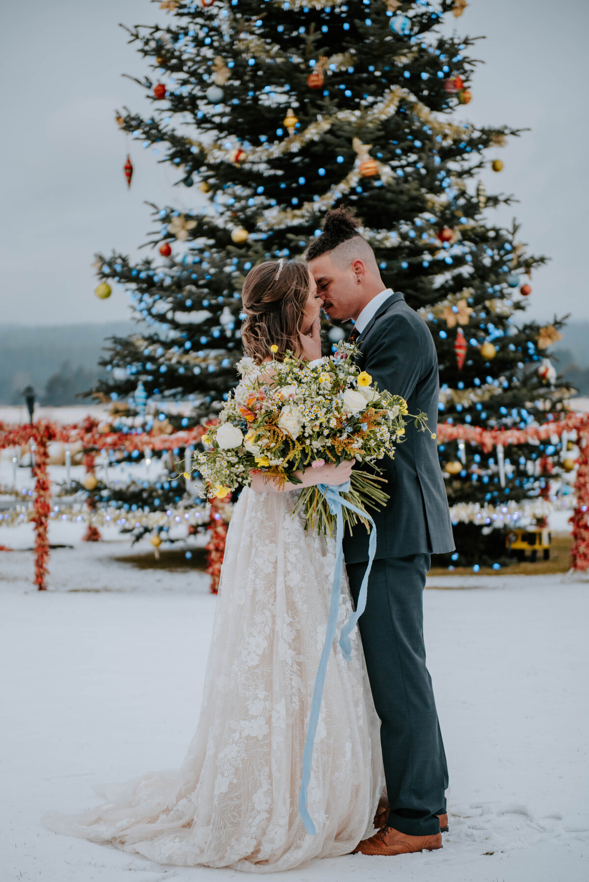 sunriver-resort-oregon-wedding-venue-christmas-elopement-photographer-destination-1774
