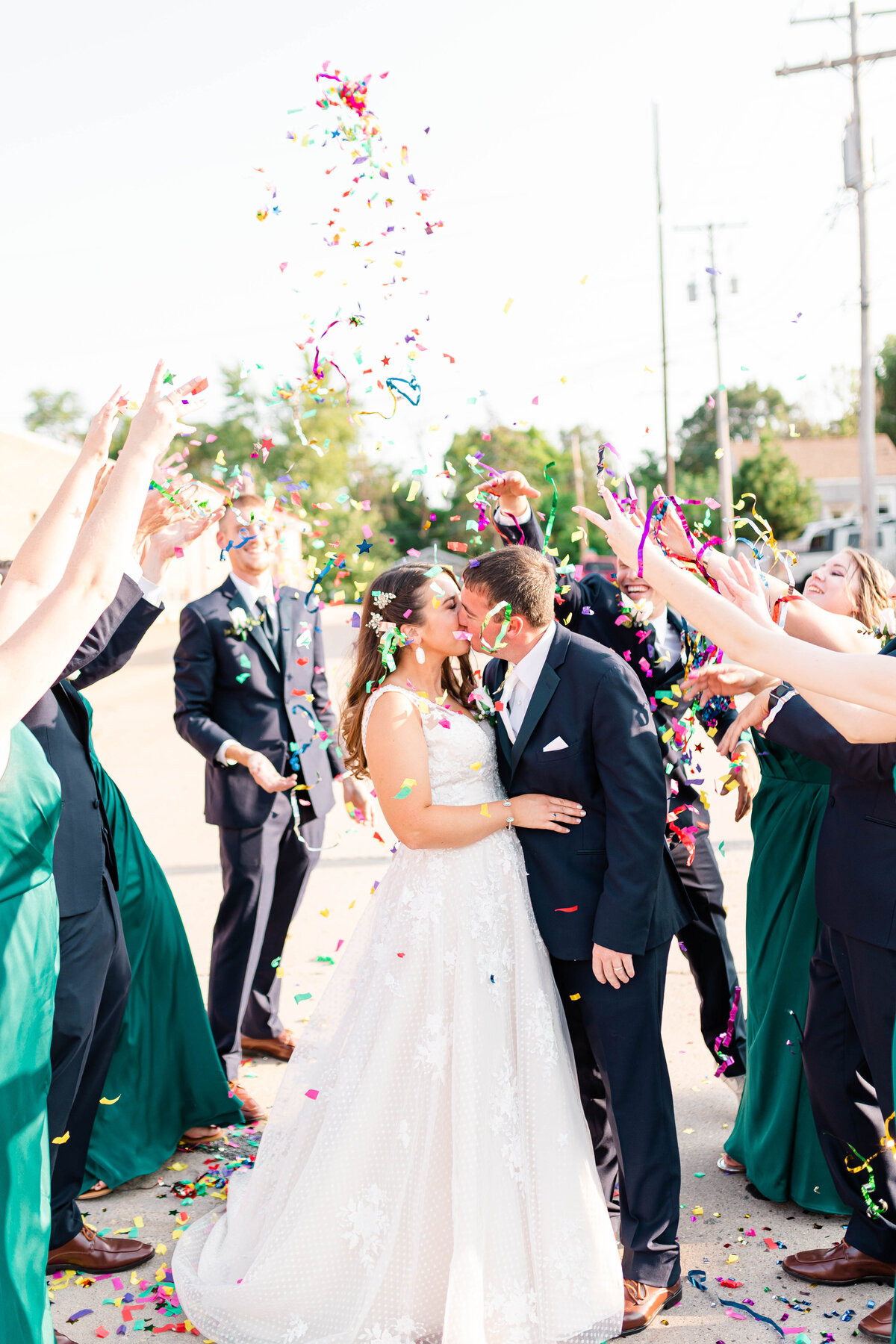 Confetti Wedding Pictures-Elle Taylor Photography