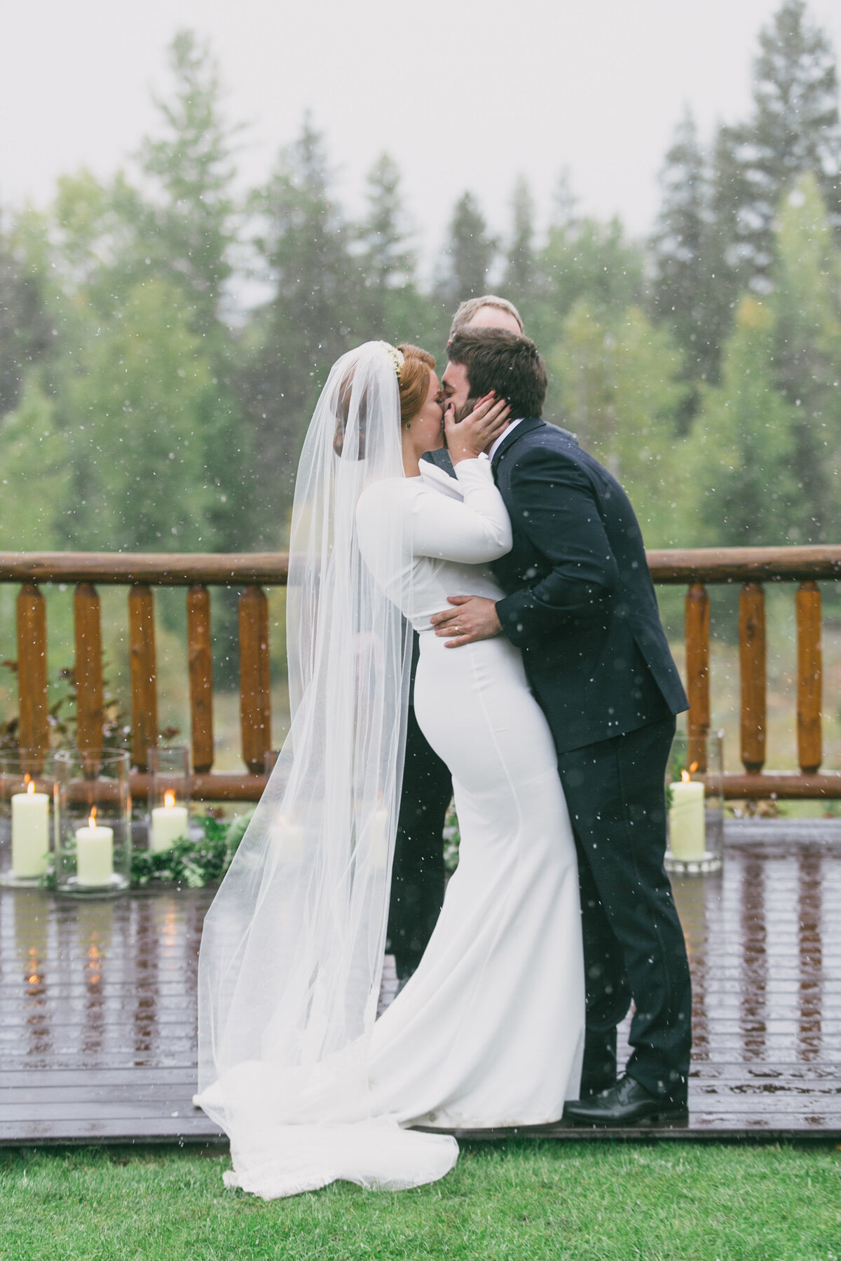 Jennifer_Mooney_Photography_Abbey_Stephen_Fall_Winter_Glacier_Park_Elopement-179