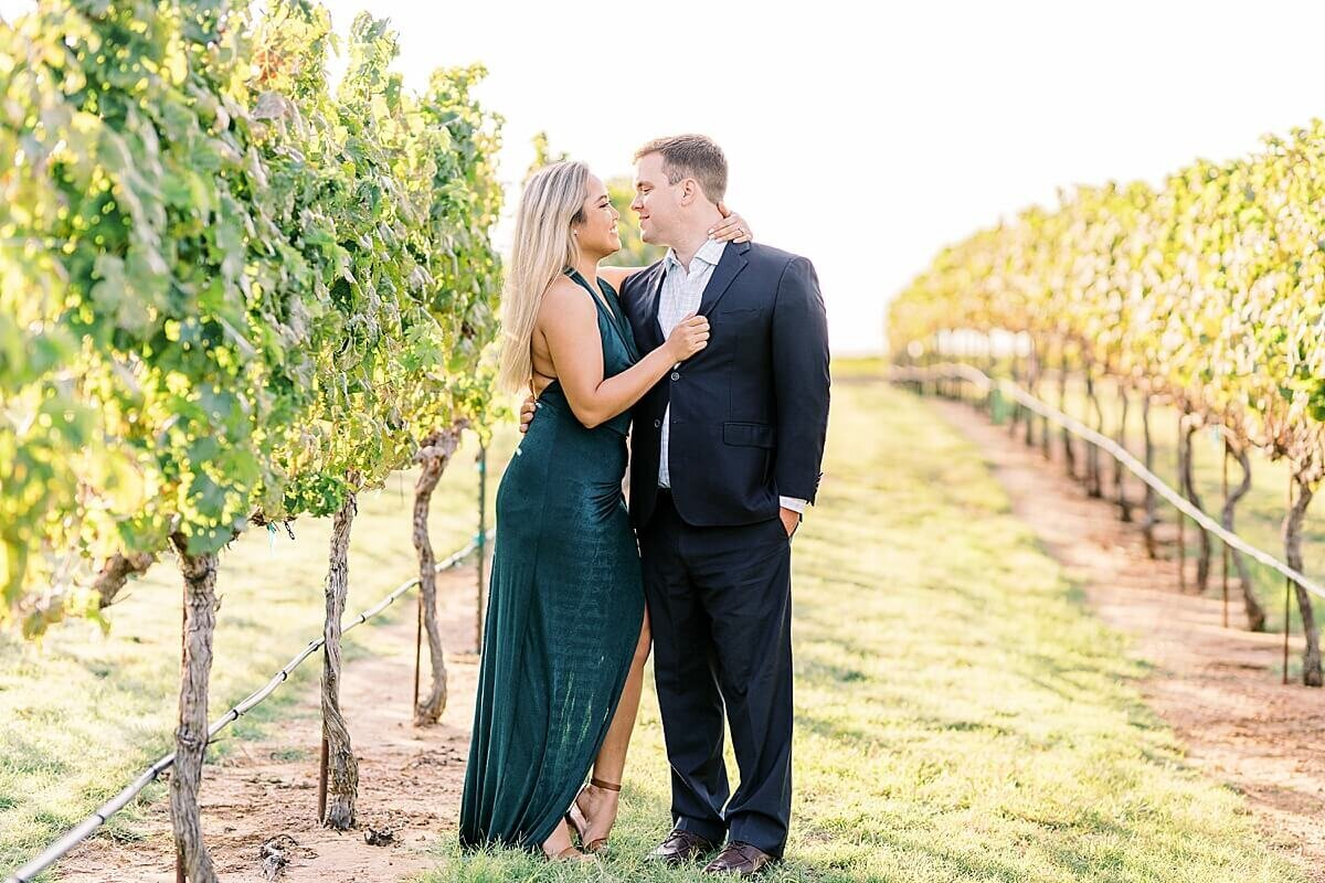 Texas-Hill-Country-Vineyard-Engagement-Portrait-Session-Alicia-Yarrish-Photography_0066
