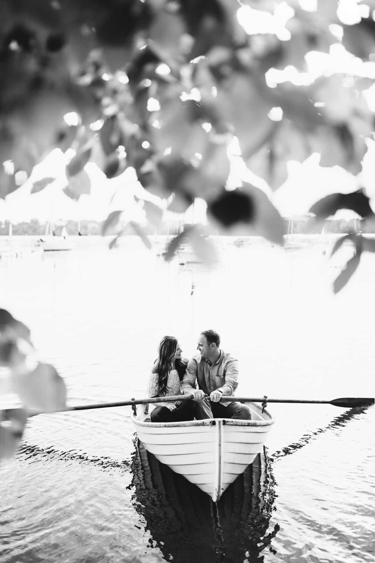 Lake-Calhoun-Minneapolis-Summer-Engagement-8