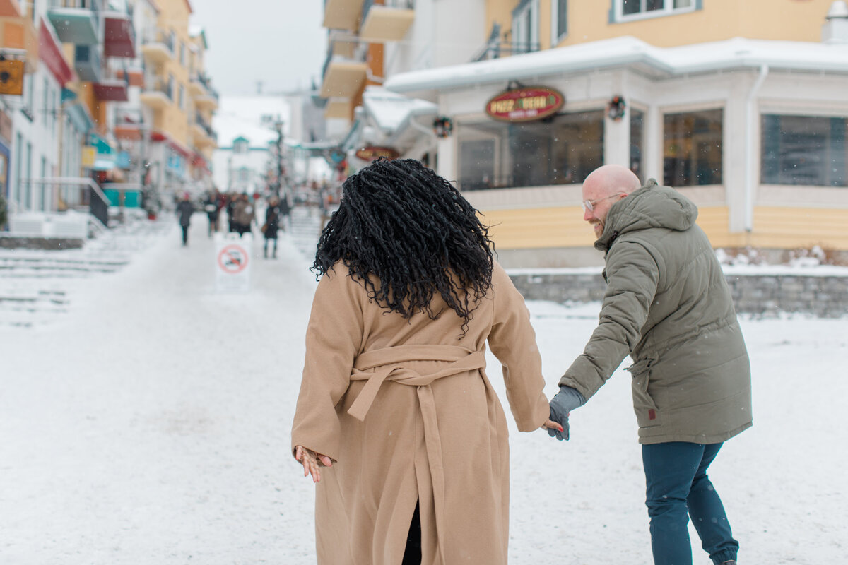 tremblant-winter-mountainside-engagement-session-grey-loft-studio-tremblant-village-48