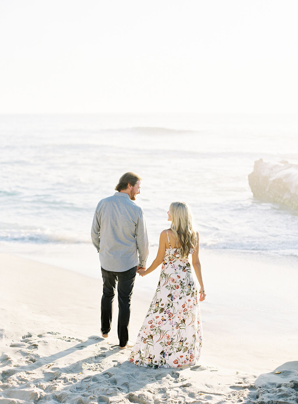 Danielle_Bacon_Photography_Wind_and_Sea_Beach_Engagement_Session8