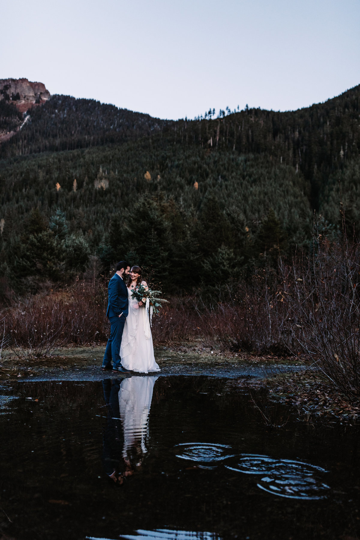 Oregon_elopement_Gold_Creek_pond_Adventure_wedding_photography (624 of 793)