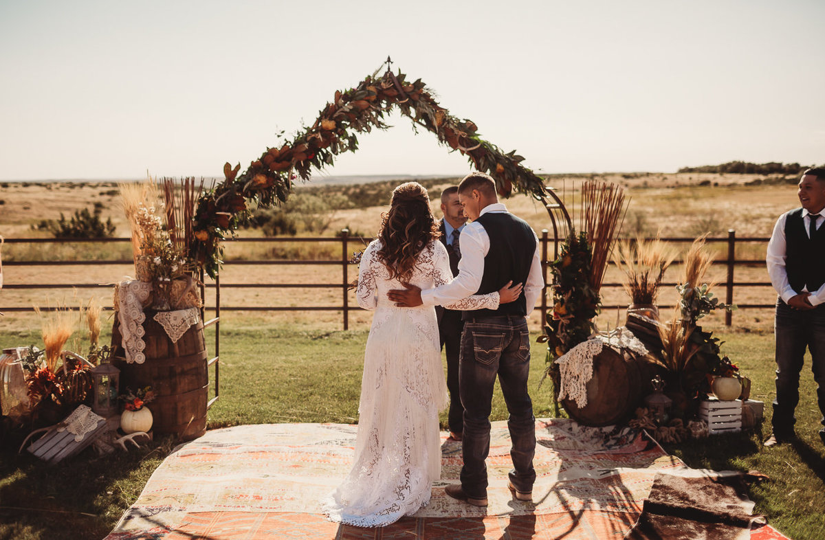 texas-ranch-wedding-native-roaming-125