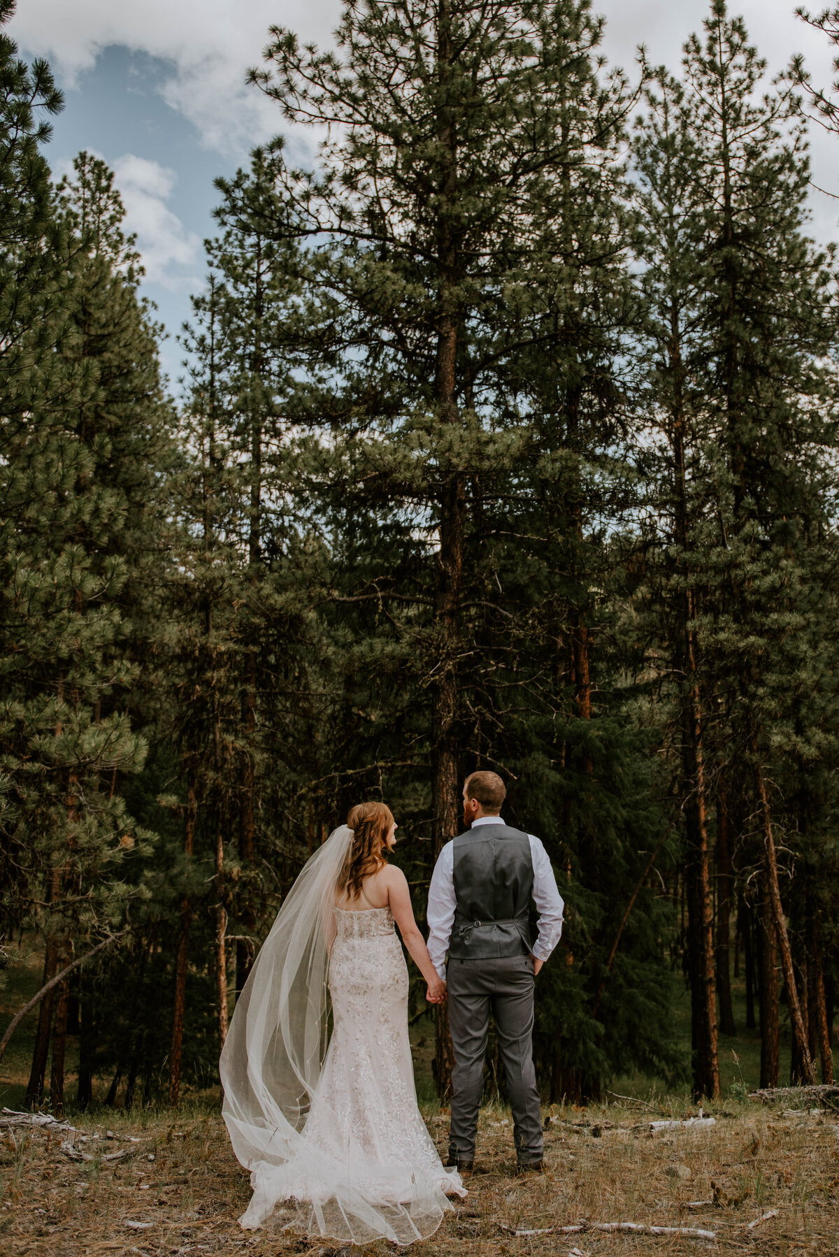 ochoco-forest-central-oregon-elopement-pnw-woods-wedding-covid-bend-photographer-inspiration1469