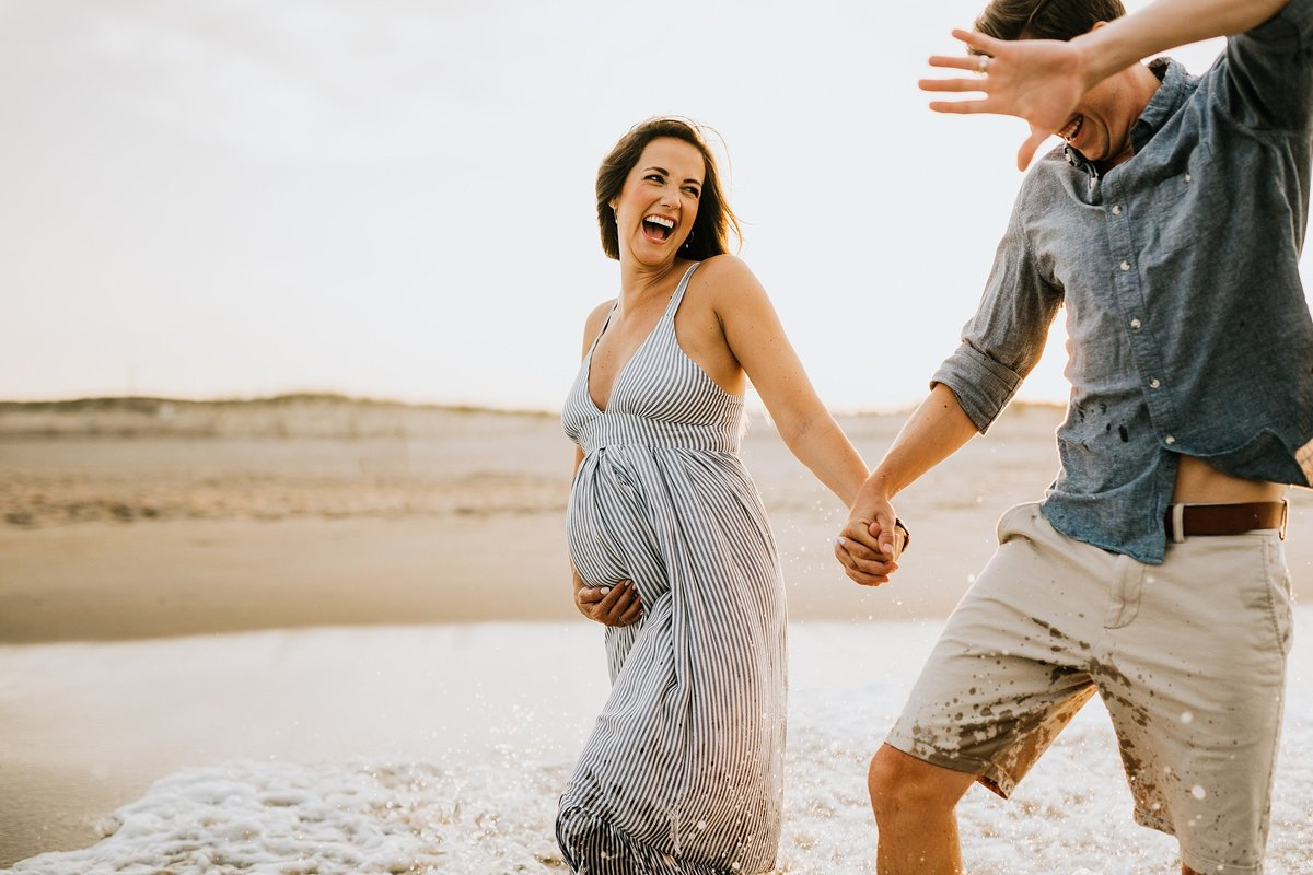 delaware-beach-maternity-session-rebecca-renner-photography_0001
