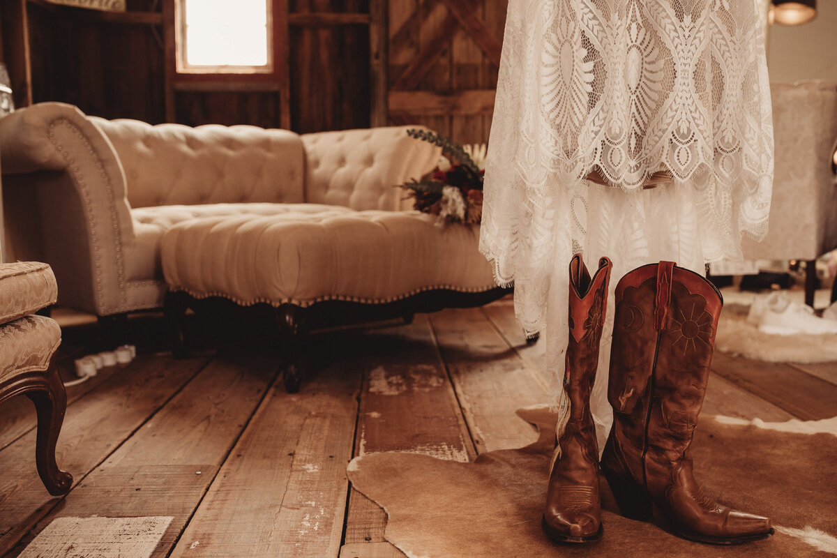 younger-ranch-wedding-Native-Roaming-Photography-8