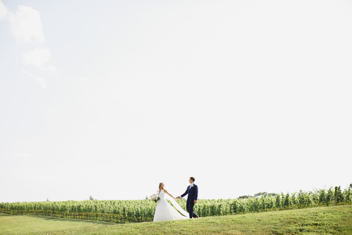 Tara Liebeck Photography Wedding Engagement Lifestyle Virginia Photographer Bright Light Airy104