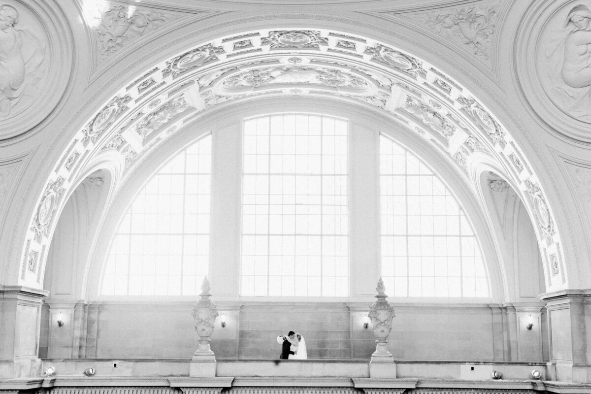 Best_San_Francisco_City_Hall_Wedding_photographer-009