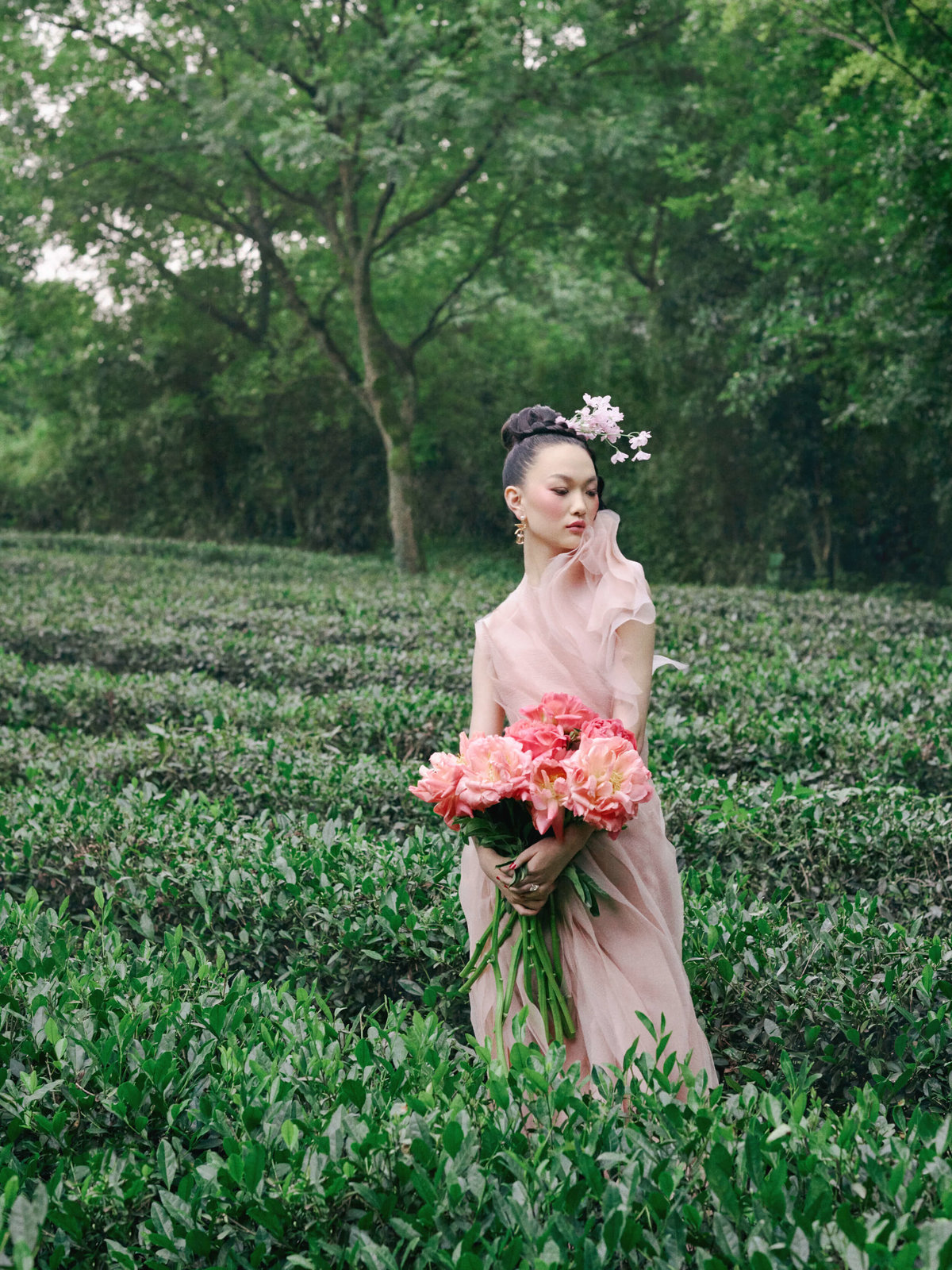 15-ktmerry-HarpersBazaar-hautecouture-JasonWu-Chinese-bride