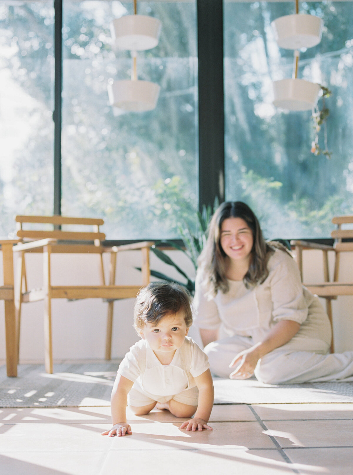 Organic Modern Minimal In Home Motherhood Session Film Photography -14