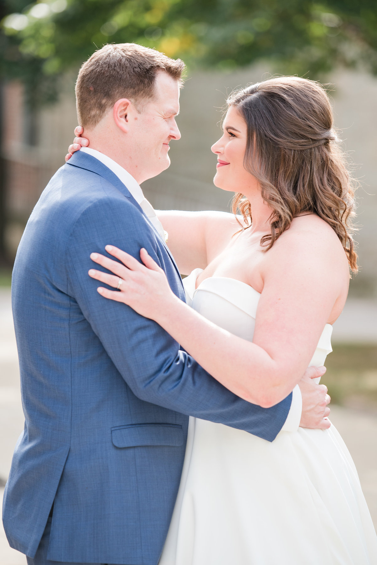 Newlywed Portraits Cait Potter Creative LLC Milltop Potters Bridge Noblesville Square Courthouse Wedding-16