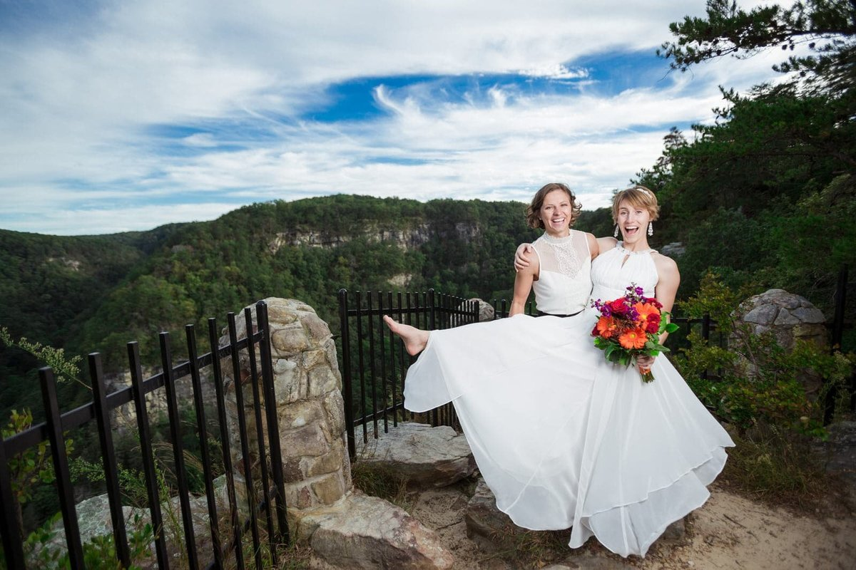 lesbian wedding at Cloudland Canyon