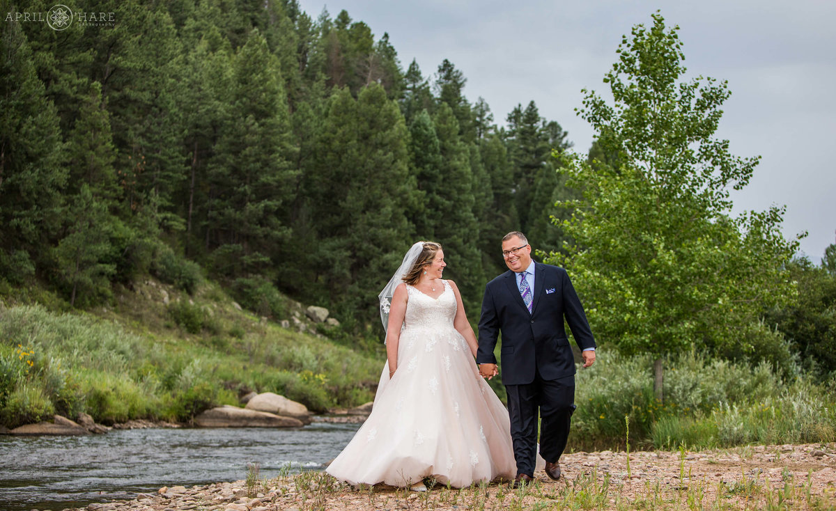 Colorado mountain wedding photography in Conifer