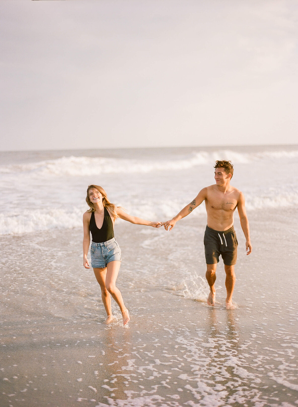 folly-beach-engagement-sessoin-clay-austin-photography-14