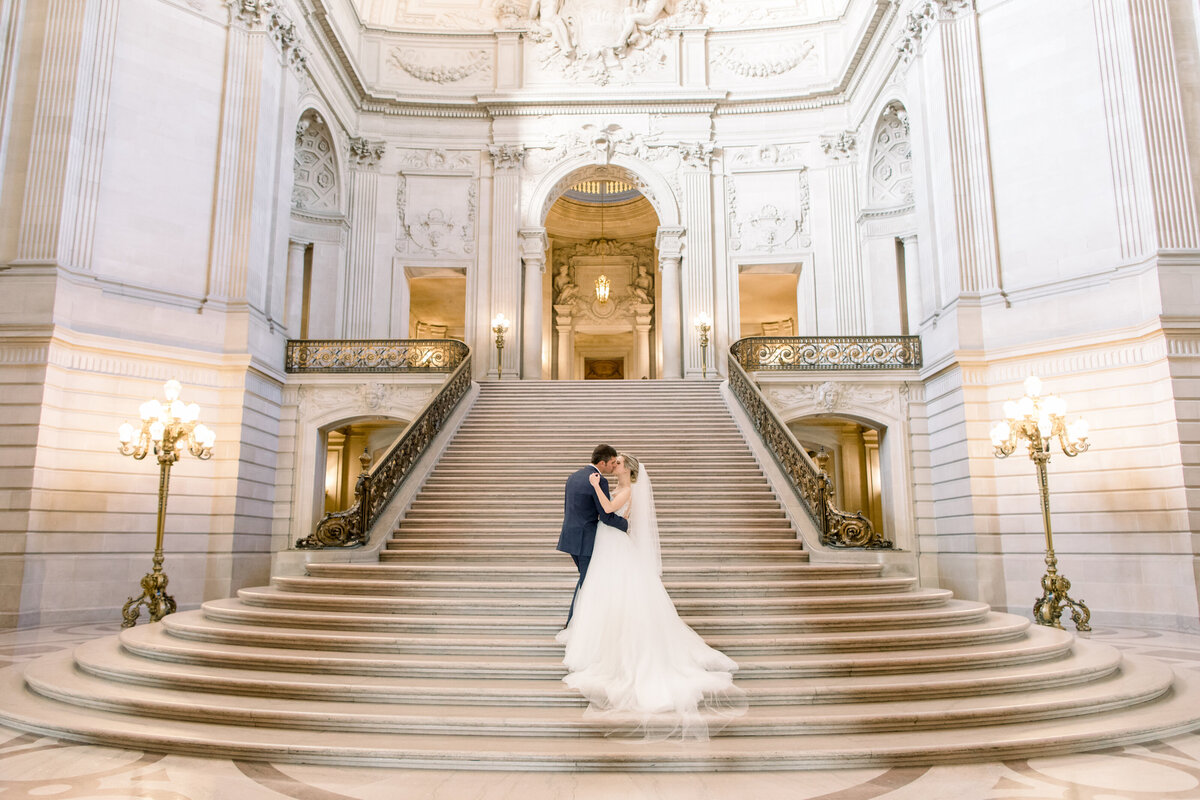 Best_San_Francisco_City_Hall_Wedding_photographer-005