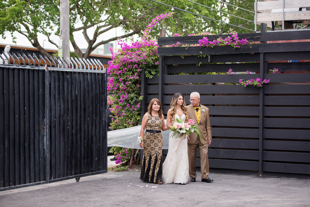 maps-backlot-wynwood-wedding-photographer 34