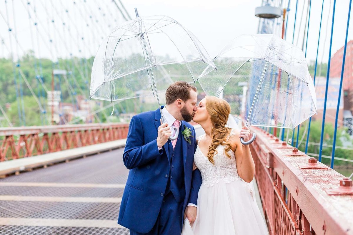Wheeling-West-Virginia-Wedding-Couple-on-Suspension-Bridge
