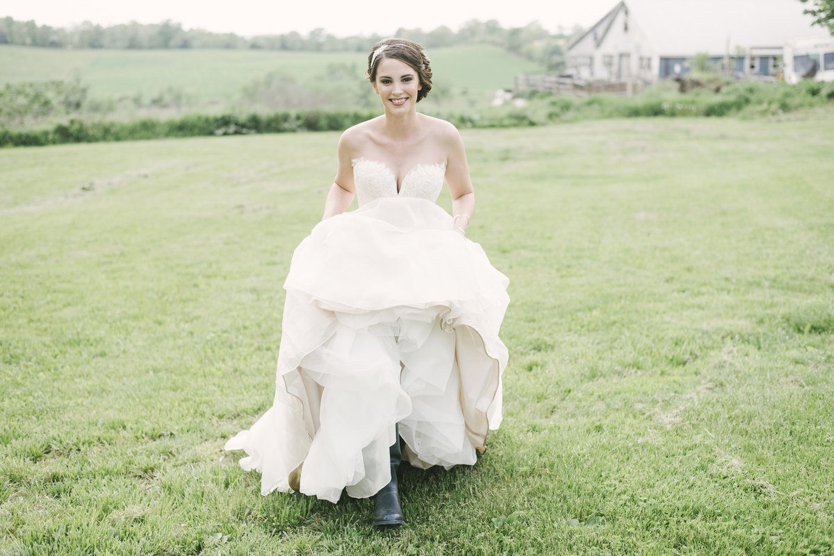 Monica-Relyea-Events-Alicia-King-Photography-Globe-Hill-Ronnybrook-Farm-Hudson-Valley-wedding-shoot-inspiration24
