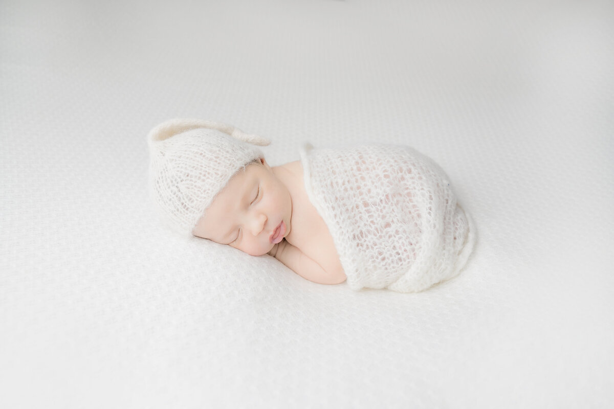 newborn-baby-boy-photos-ottawa-grey-loft-studio-27