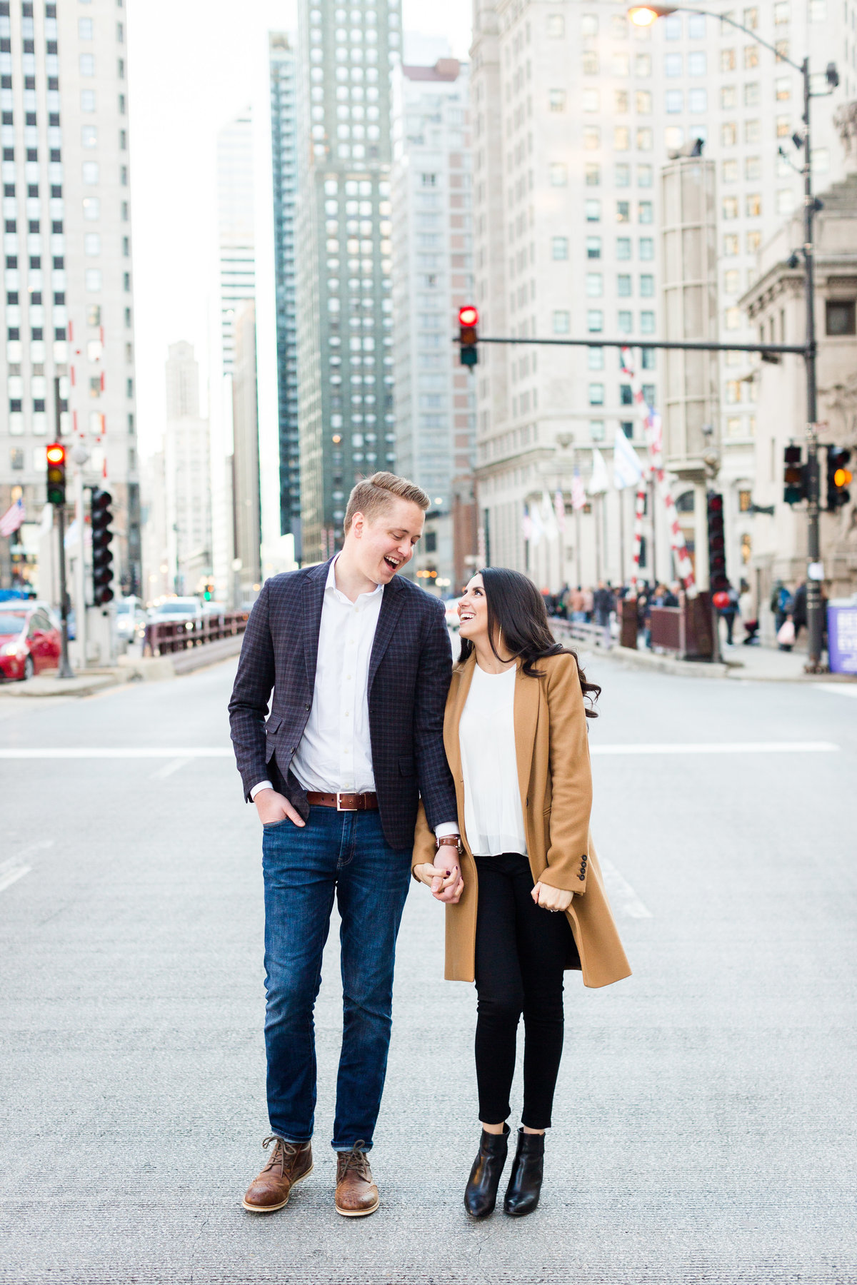 wrigley-building-chicago-engagement-session-59