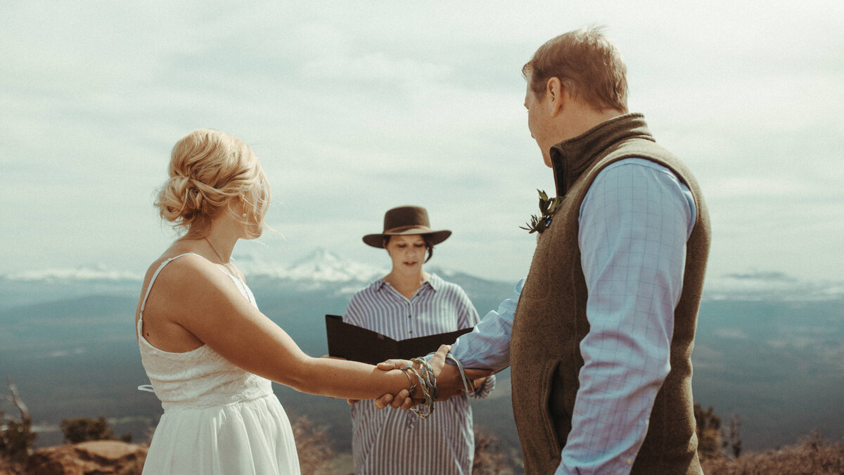 Bend-Oregon-Elopement-photographer-R&C-323