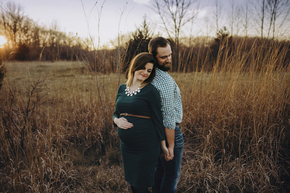 maternity-couple-portraits-lafayette-indiana