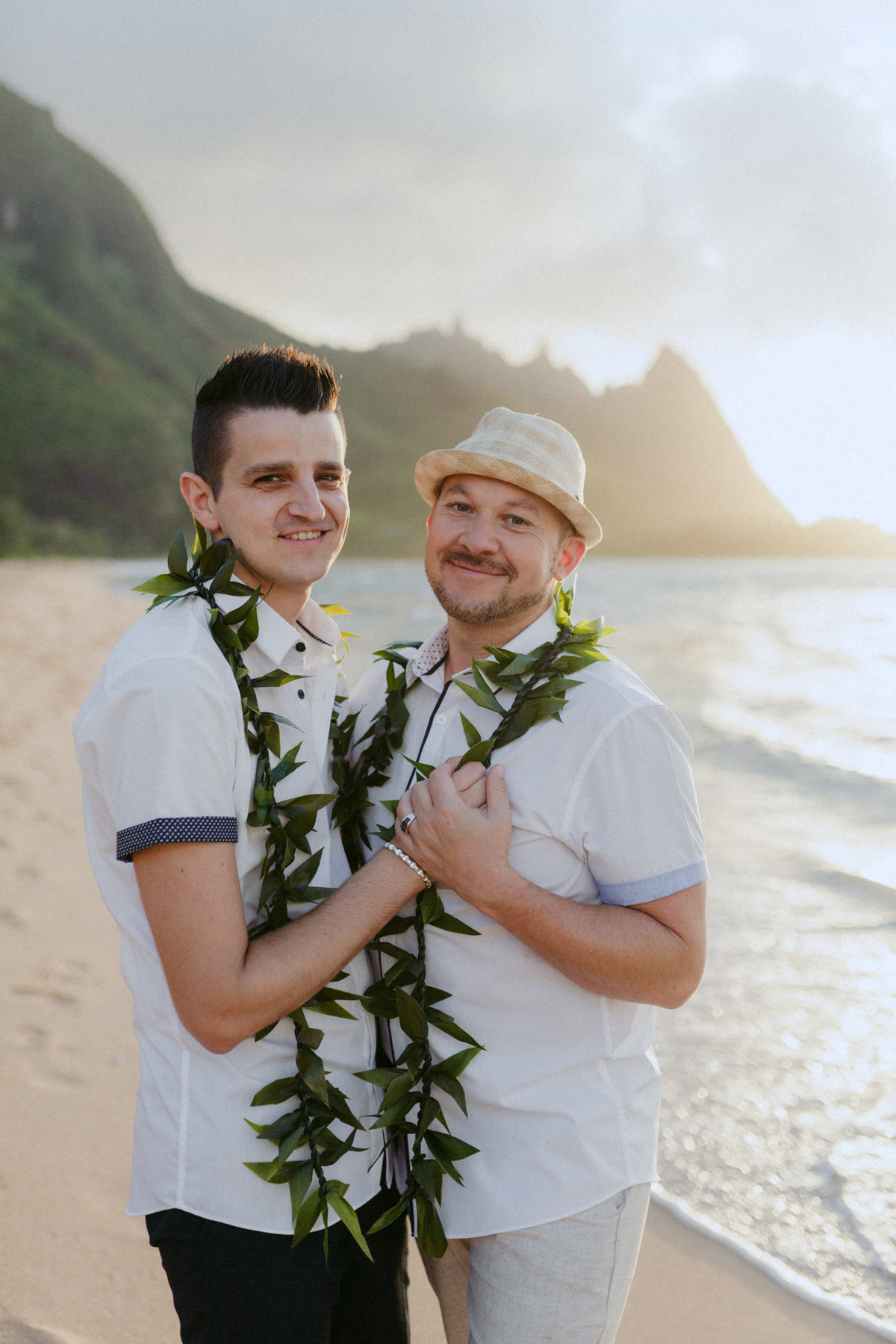 creative_modern_kauai_wedding_photographer_15